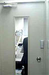 事務所の扉画像